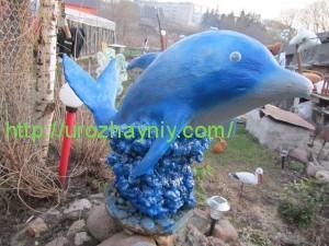 Дельфин из монтажной пены