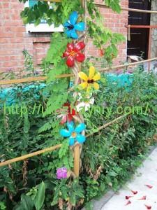 Садовые цветы из пластиковых бутылок