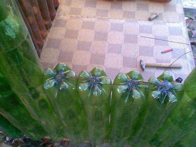 Домик из пластиковых бутылок для детей