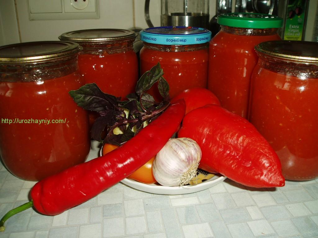 Сиськи в кетчупе 12 фотография