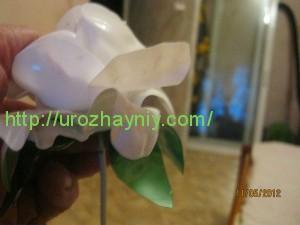 Роза из пластиковых бутылок