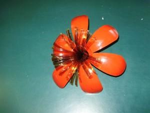 Тычинки для цветка из пластиковой бутылки