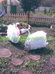 Садовый лебедь своими руками