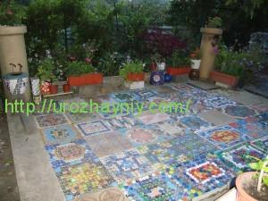 Мозаика из пластмассовых крышек