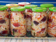 Салат с капустой и сливой на зиму